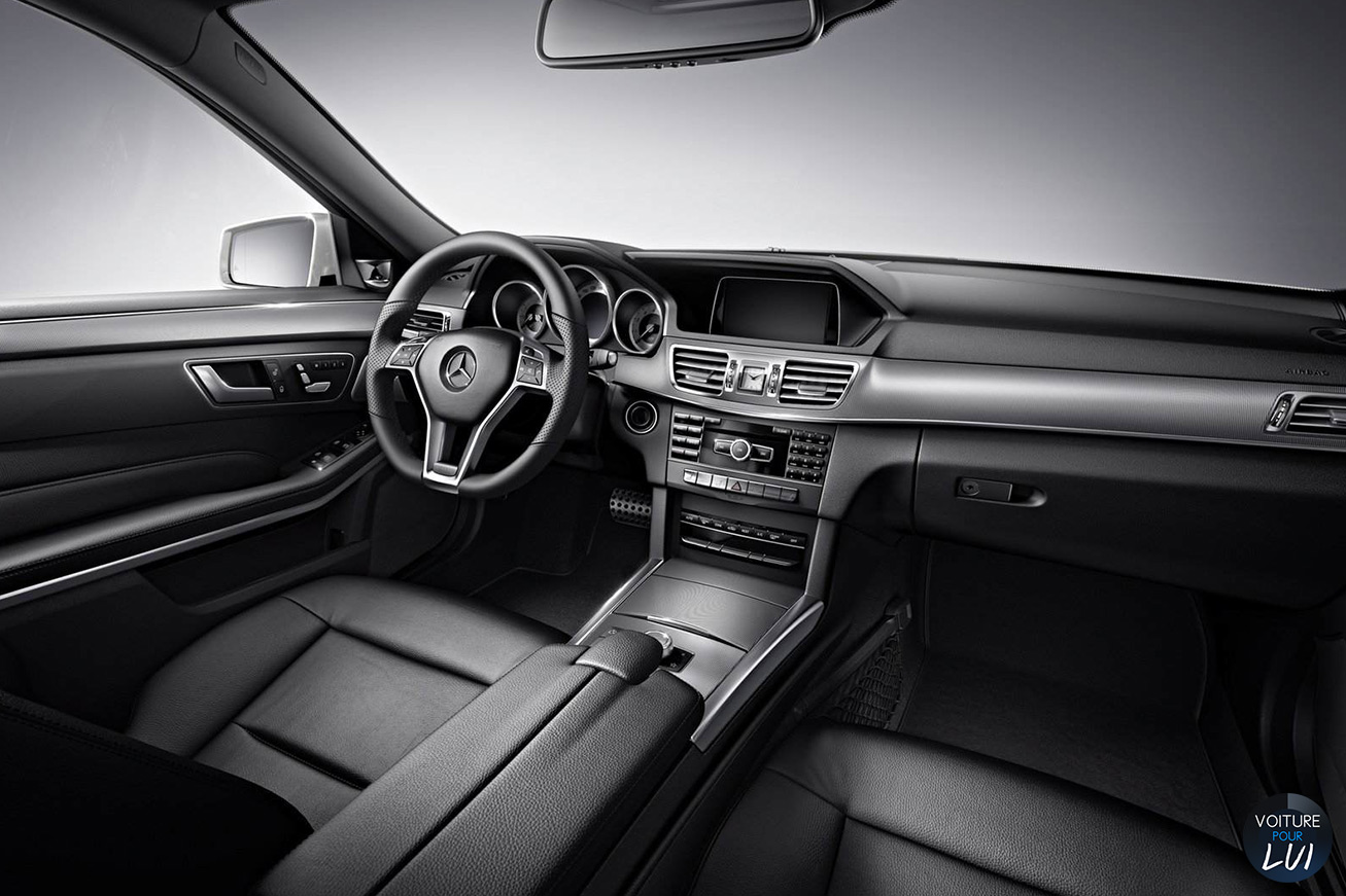Une esth tique au comble du raffinement la classe e for Mercedes classe m interieur